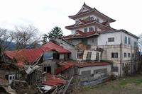 落城した城型ホテルSR閣