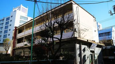 08★04東京都新宿区霞ヶ丘_外苑マーケット102re.jpg